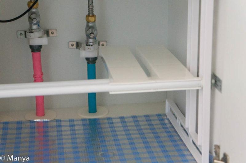 NITORI(ニトリ)シンク下収納ラック 洗面台下設置途中