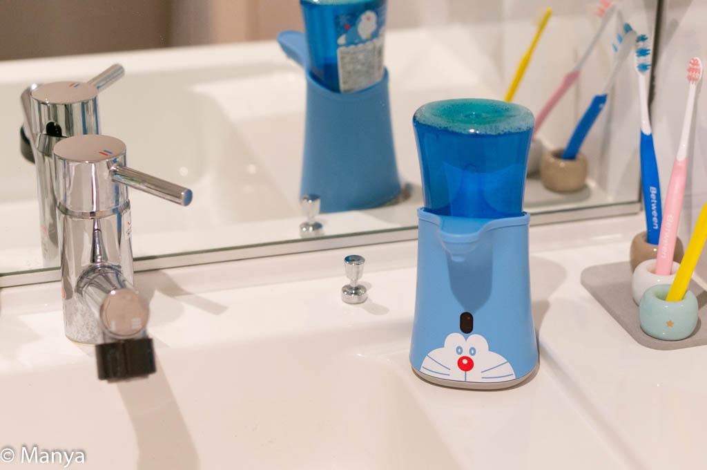 ミューズ ノータッチ泡ハンドソープ ドラえもんデザイン 洗面台設置