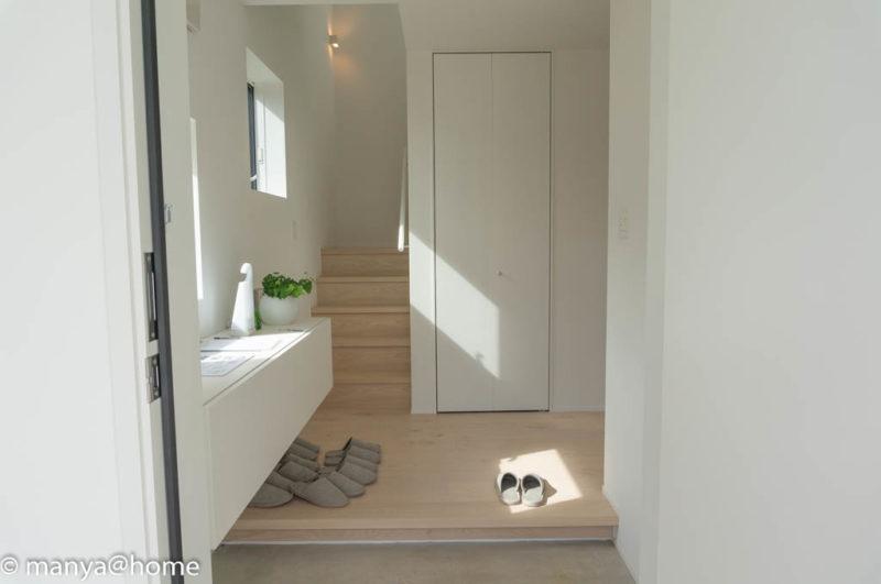 無印良品の家 つくば店「窓の家」モデルハウス 玄関