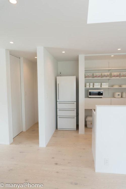無印良品の家 つくば店「窓の家」モデルハウス キッチン横冷蔵庫