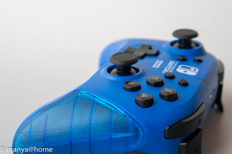 ワイヤレスホリパッド for Nintendo Switch ブルー ボタン高さ